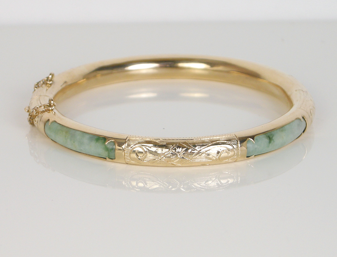 Hinged jade bangle