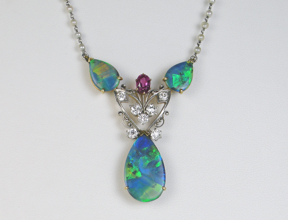 Spectacular Art Nouveau opal necklace