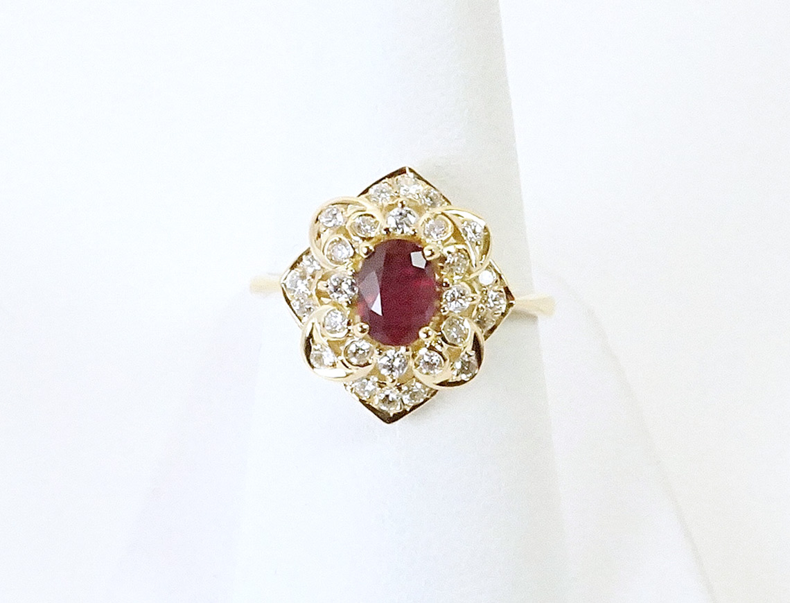 Ruby and diamond ring in 14K