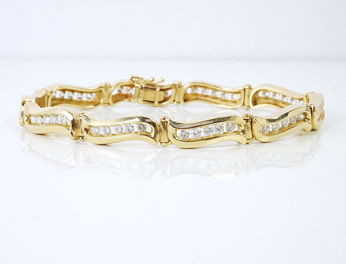 Two carat diamond bracelet