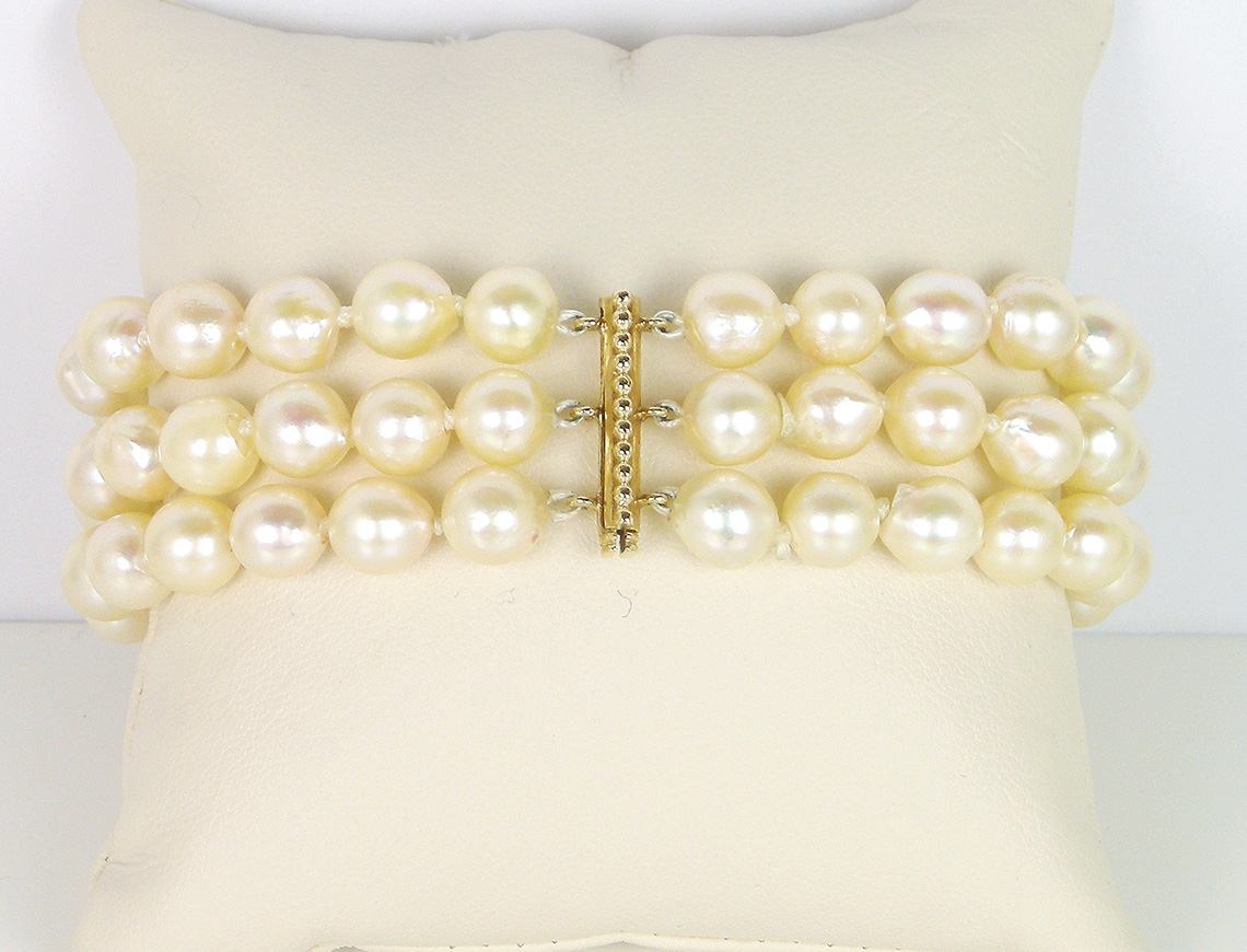 Three-strand cultured pearl bracelet