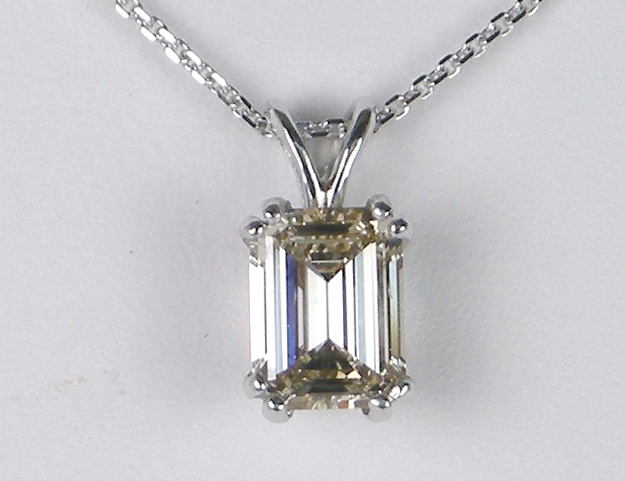 .90 emerald cut diamond pendant